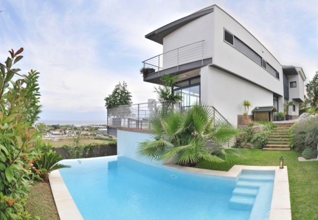 Villa en Santa Susana - VIVALIDAYS VILLA CLAUDIA