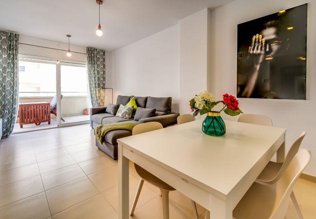 Apartamento en Lloret de Mar - VIVALIDAYS ALICIA