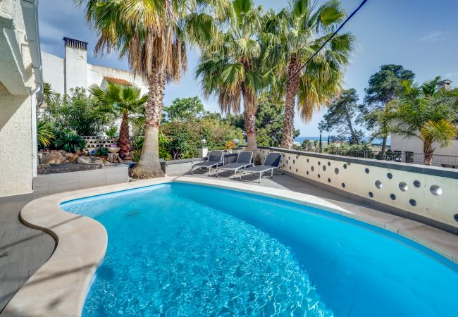 Villa en Santa Susana - VIVALIDAYS VILLA LINDA BARCELONA