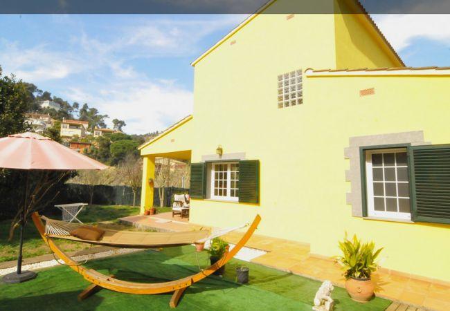 Casa en Palafolls - VIVALIDAYS CASA TERESA