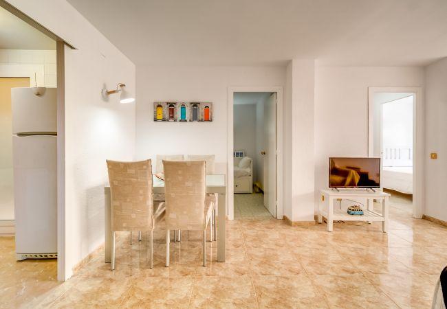 Apartamento en Pineda de Mar - VIVALIDAYS DIEGO