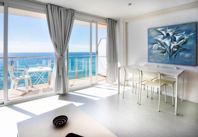Apartment in Lloret de Mar - VIVALIDAYS GARBI