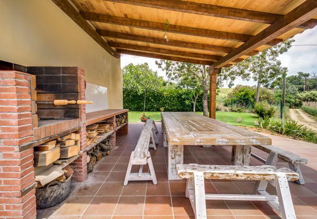 House in Palafolls - VIVALIDAYS CAN PALOMO